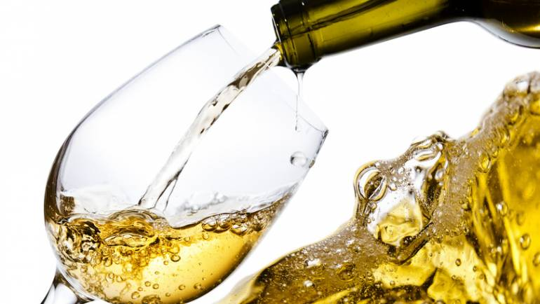 WHITE WINE SPECIAL – TOP 5 GRAPE VARIETIES OF THE WORLD